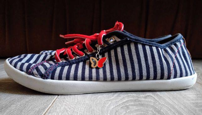 Летние туфли на шнуровке в полоску, кеды,тапки,кроссовки