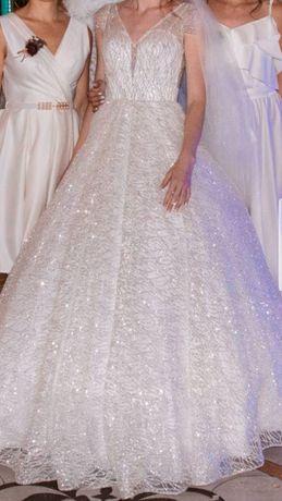 Продам красиве весільне плаття