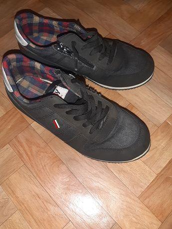 Кросовки джинсовые