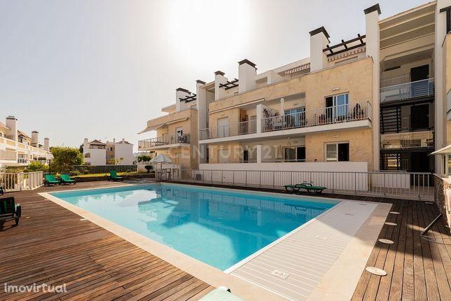 Apartamento T2 em condominio com piscina em Santa Luzia a 200 metros d
