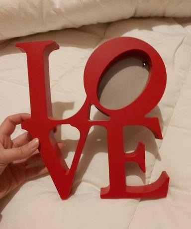Moldura vermelha LOVE