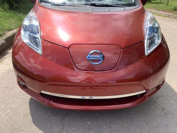 Nissan Leaf  капот крыло дверь стекло крыша четверть руль  РАЗБОРКА