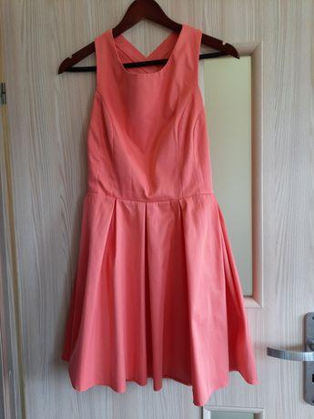 Brzoskwiniowa sukienka, odkryte plecy, rozm 38