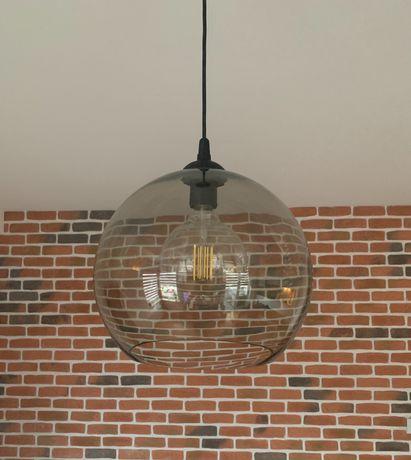 Lampa wisząca z przejrzystym kloszem