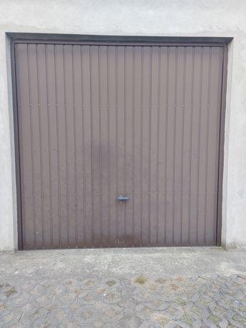 Brama garażowa uchylna brązowa