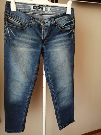 Granatowe jeansy 3/4