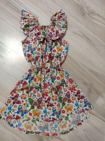 Sukienki 128/134, 10 zł/sztuka