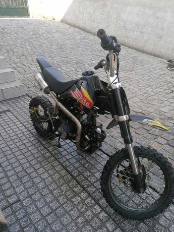 Pite bike e mota pequena
