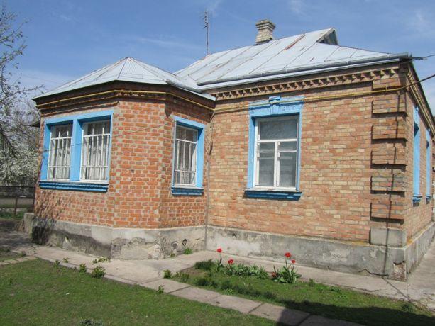 Продам дом 80 км от Киева в городе Узин