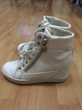 Сникерсы кроссовки Guess