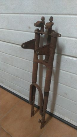 Forquilha forqueta motorizada antiga