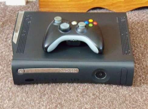 Xbox 120GB elite a funcionar a 100%