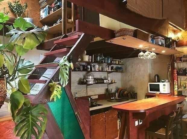 Мегакрутой двух этажный Жилой гараж в самом Центре