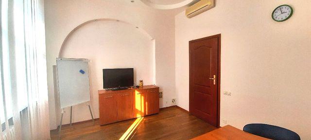 Офис 93 м.кв. м.Золотые Ворота., ул.Паторжинского, 4. От собственника.