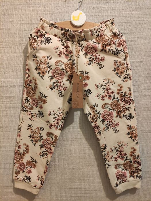 Spodenki  dresowe w kwiaty Newbie KappAhl Mikołów - image 1