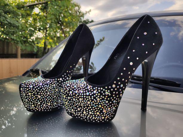Шикарные туфли высокий каблук 38 размер