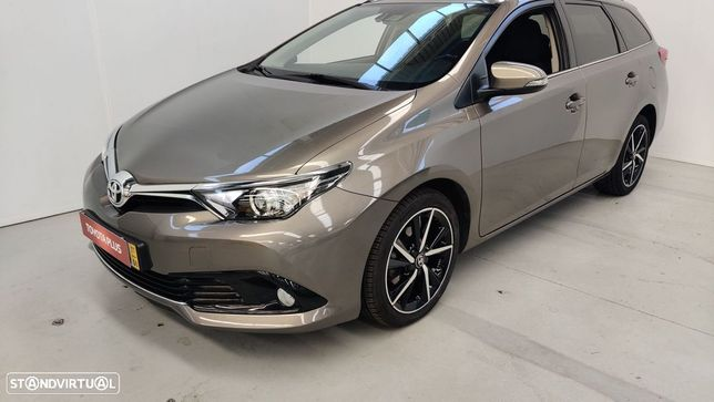 Toyota Auris Touring Sports Auris T1.4D Comfort + Techno + Pack Sport