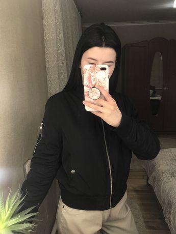 Черный женский бомбер, куртка от бренда Papaya