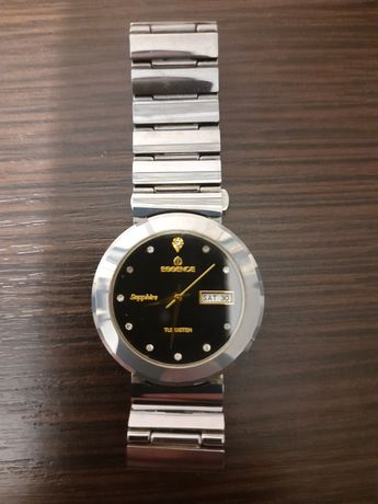 Наручные часы Essence.