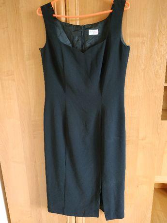 Czarna sukienka na ramiączka