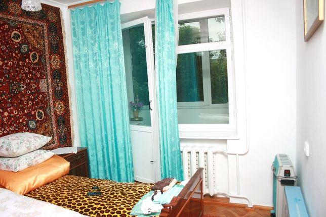 Продам 3-х кімнатну квартиру в смт. Гусятині Тернопільської області