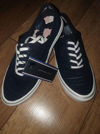 Sneakersy Tommy Hilfiger Mara 3D1 FW0FW01051 rozm. 38