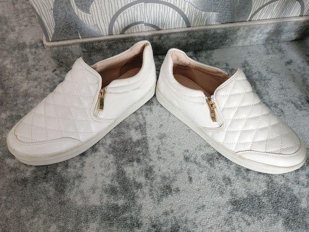 Buty damskie rozmiar38/ 39 jak nowe