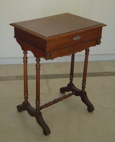 Móvel costureiro da época vitoriana, Brasil - Séc XIX