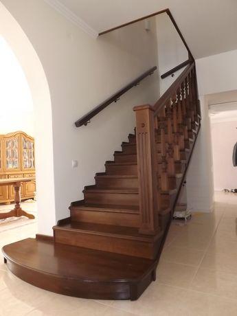Сходи ( лестницы)  дубові та хвойні!  Виготовлення та встановлення