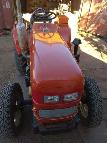 Продам трактор синтай 240.