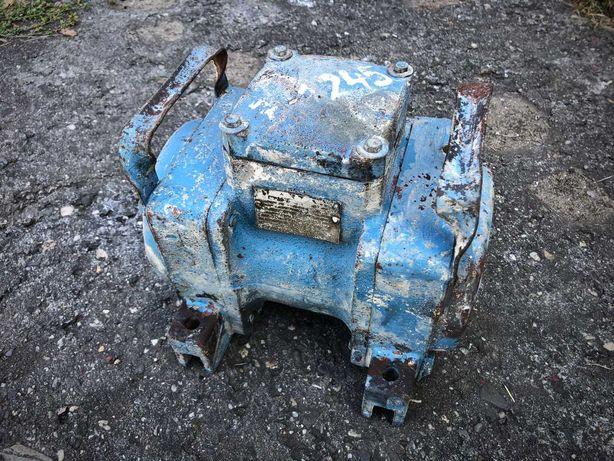 Silnik wibracyjny, wibrator elektrowibrator 0,40 KW Indukta motor