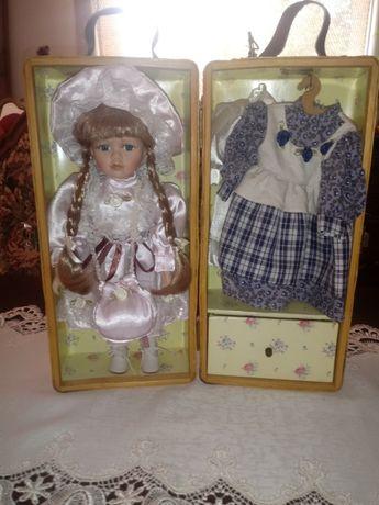 lalka w szafie wiklinowej (206)
