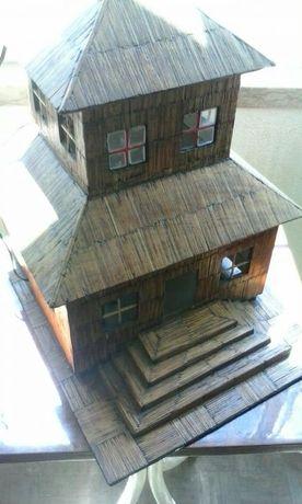 Casa japonesa feita em madeira e paus de fósforo