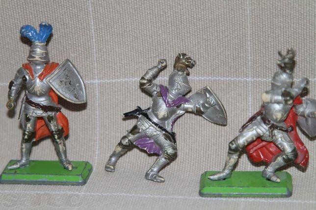 Фигурки -3 рыцаря (Англия , 1960 г.)