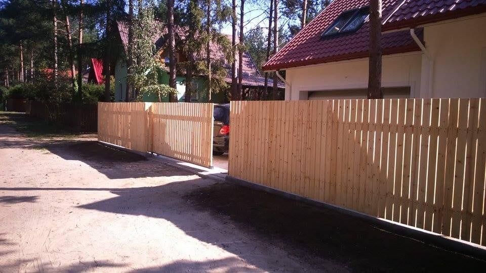Ogrodzenia Montaż ogrodzeń siatka / panel / sztachetki