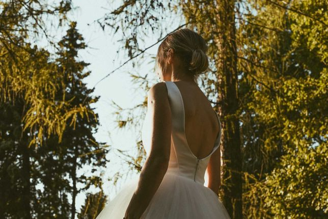 Zwiewna , oryginalna, piękna suknia ślubna