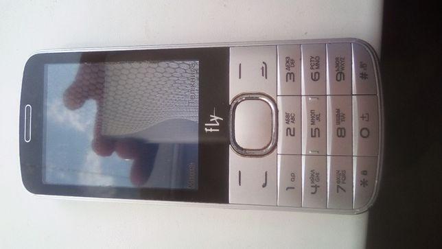 FLY 3 SIM модельTS111телефон в хорошем состоянии.