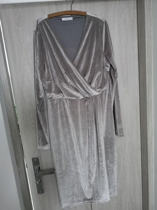 Sukienka welurowa XL srebrna Szymbark - image 1