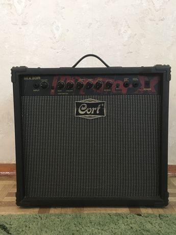 Продам комбоусилитель для электрогитары Cort MX30R
