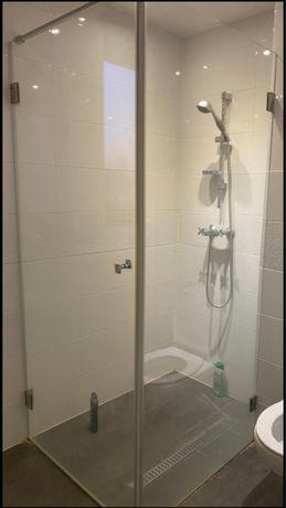 Kabina prysznicowa.