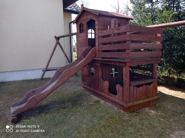Domek drewniany do zabawy sprzedam