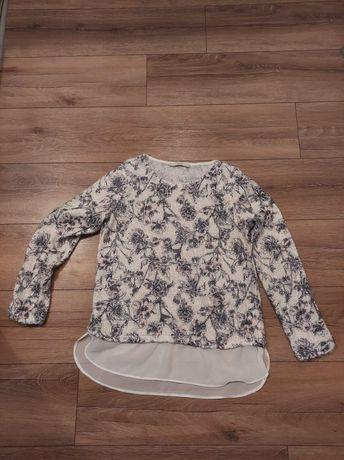 Sweter z koszulowym dołem