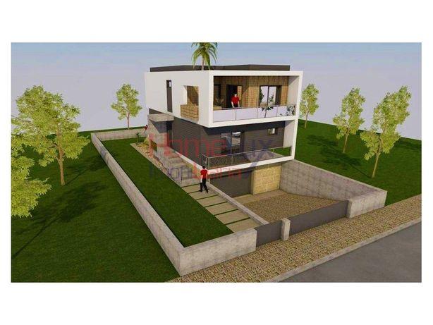 Terreno c/ 1 058 m2 p/ construção e c/ ótimos acessos