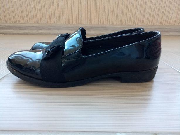 Туфли для девочки лаковые 37 размер