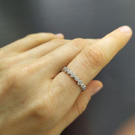 Новое серебряное кольцо с камнями