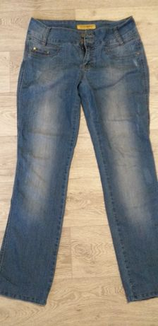 Продам джинсы женские.