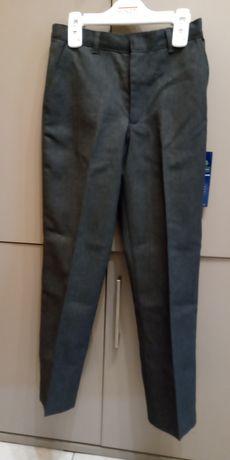 Sprzedam nowe spodnie chłopię ce