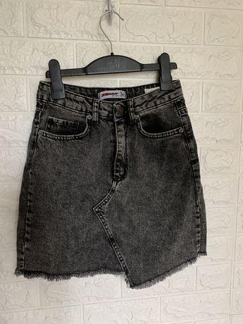 Джинсовая чёрная серая юбка трапеция короткая завышенная талия