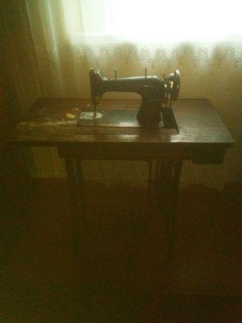 Продам 2 швейні машини