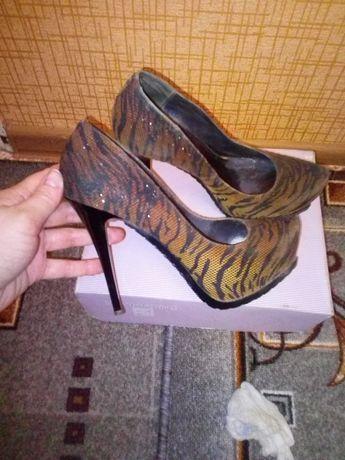 Продам туфли бренда Rima
